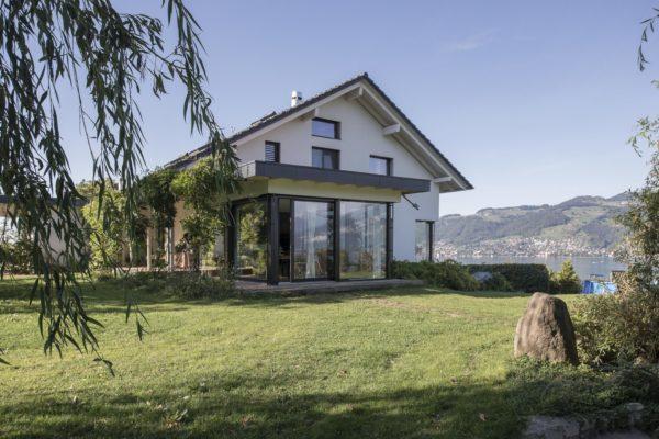 Abbruch und Wiederaufbau Wohnhaus mit Einliegerwohnung im Minergie Standard, Spiez