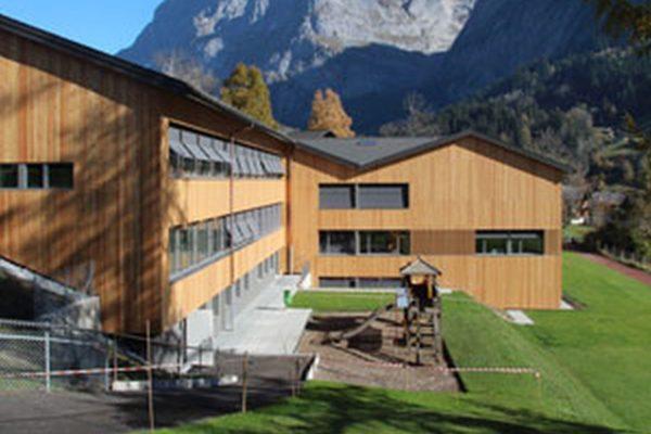 Umbau und Erweiterung Schulhaus Graben nach Minergie-Standard, Grindelwald